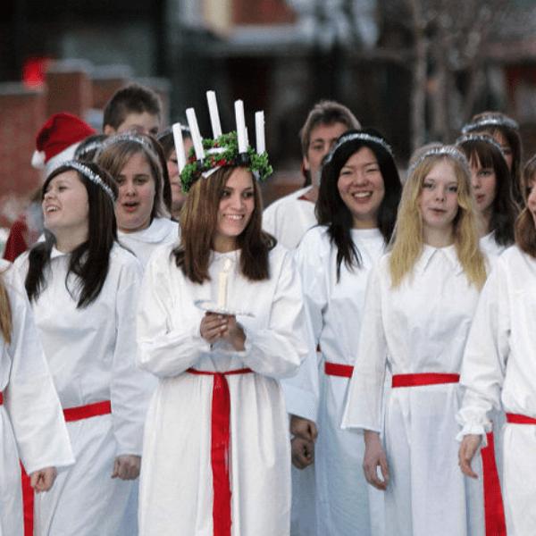 Prosinec je plný starých lidových tradic, z nichž některé známe a dodržujeme dodnes, některé jsme zapomněli. 13. prosince, krátce po Mikuláši a svaté Barboře má svátek svatá Lucie. I k […]