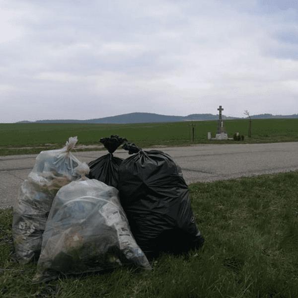 Odpad na zemi se sám do koše nevyhodí. Potřebuje někoho, kdo ho zvedne a do toho koše, nebo pytle vyhodí. A to můžete být i vy. Do úklidu se dobrovolníci […]