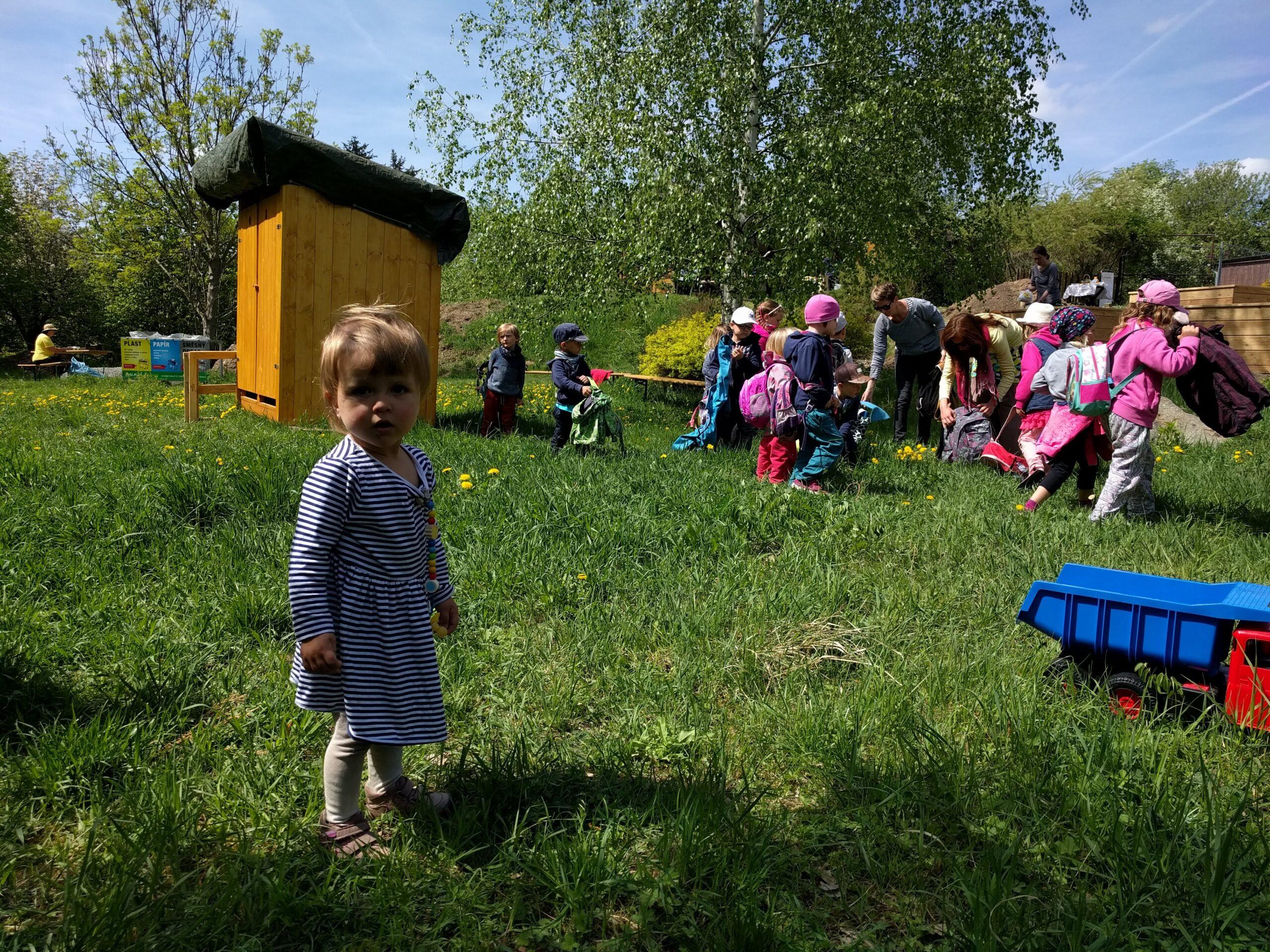 """Už 30 let """"učí řeči přírody"""" školní děti i dospělé. Otevření Lesní mateřské školy je tak další logický krok ktomu, dostat děti do přírody. Lesní mateřská škola bude mít své […]"""