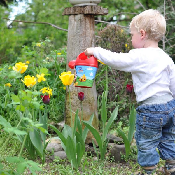 Nadace Proměny Karla Komárka pořádá pocelý květen akci Měsíc školních zahrad. Jako člen Mezinárodní asociace školních hřišť azahrad (ISGA) podporuje vČeské republice myšlenku širšího využití těchto venkovních prostor ve výuce. […]